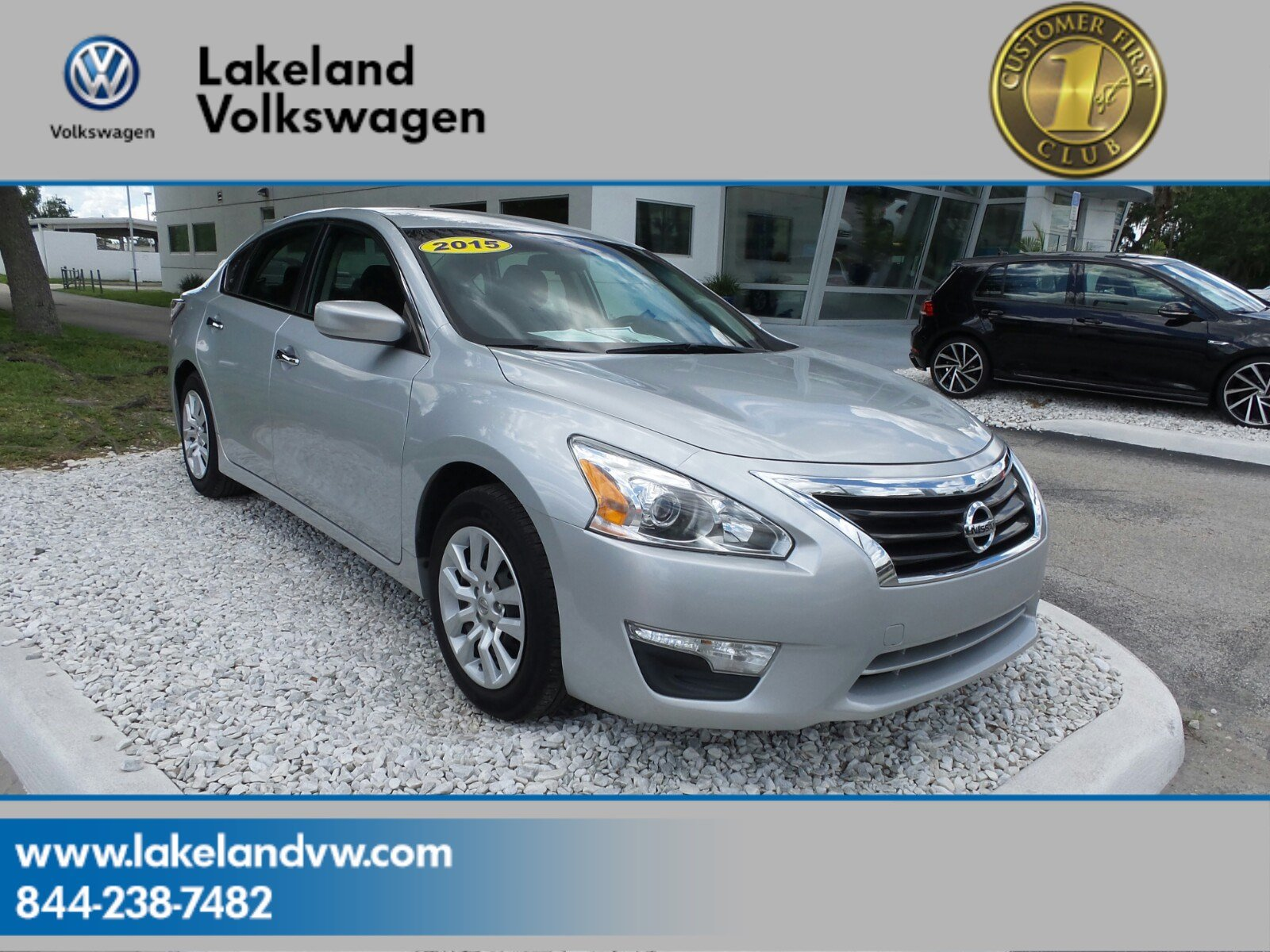 Nissan Altima: Opening windows (if so equipped)